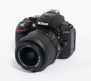 Nikon_D5300_(front)