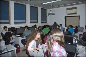 תלמידי תכנית אלפא יוצרים ערכים בסדנה לעריכה בוויקיפדיה