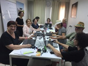 800px-Wikimedia_Israel_Senior_Citizens_editing_course,_summer_2018_-_3 (1)